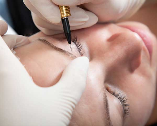 Permanent Make Up Einbringen